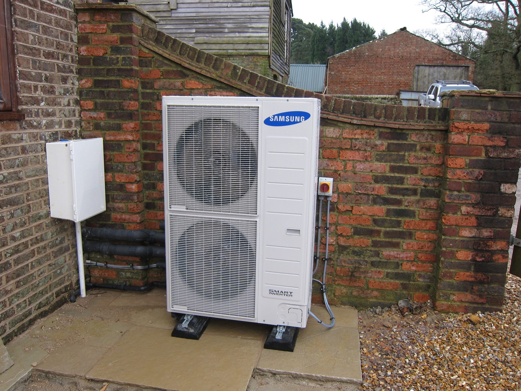 Project Air And Ground Source Heat Pumps Low Carbon